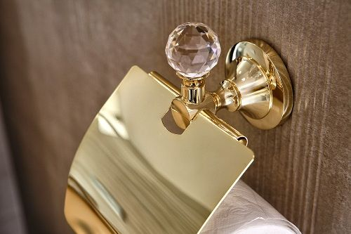 Golden inspirations of bathroom - gold in combination with Swarovski crystal to give your bathroom a unique accent. Perfectly made ​​toilet paper holder galvanized gold www.sancodesign.co.uk