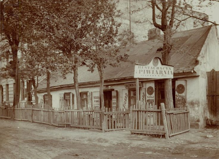 Restaurant with billiards owned by Solomon Landau (phone 2223) . Ogrodowa 8, corner of Pawia (today there is a hotel) . Surrounded by a fence in 1912 . . National Archives in Krakow