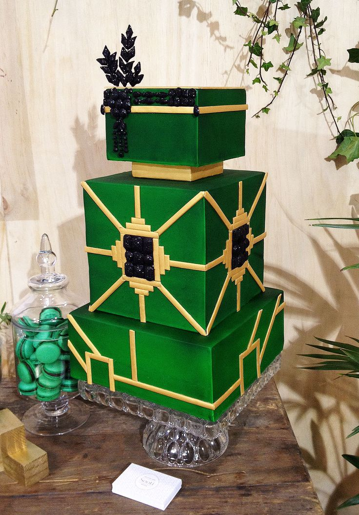 Gatsby Inspired Wedding Cake Emerald Green Gold And