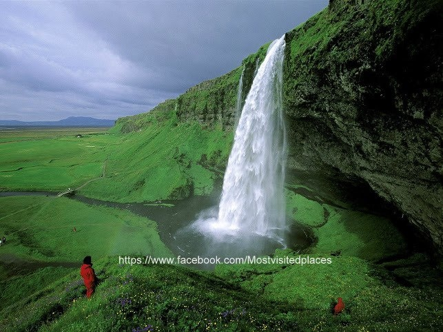 Seljalandsfoss waterfalls of Iceland