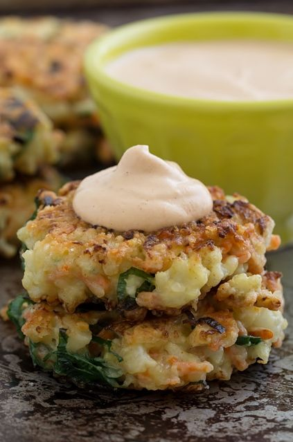 Crispy Cauliflower Carrot Fritters with Smoky Garlic Aioli | Recipe ...