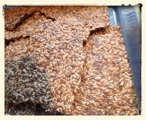 image of seed crisp crackers