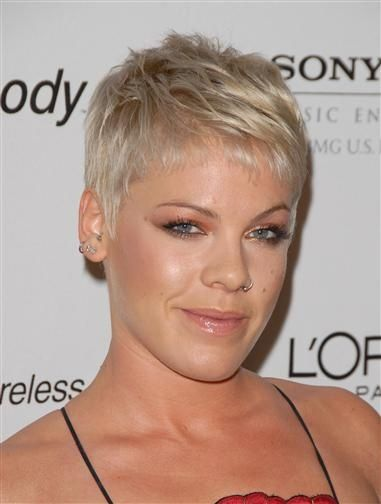 pixie hairstyles, singer pink hairstyle, celebrity | Favimages.net