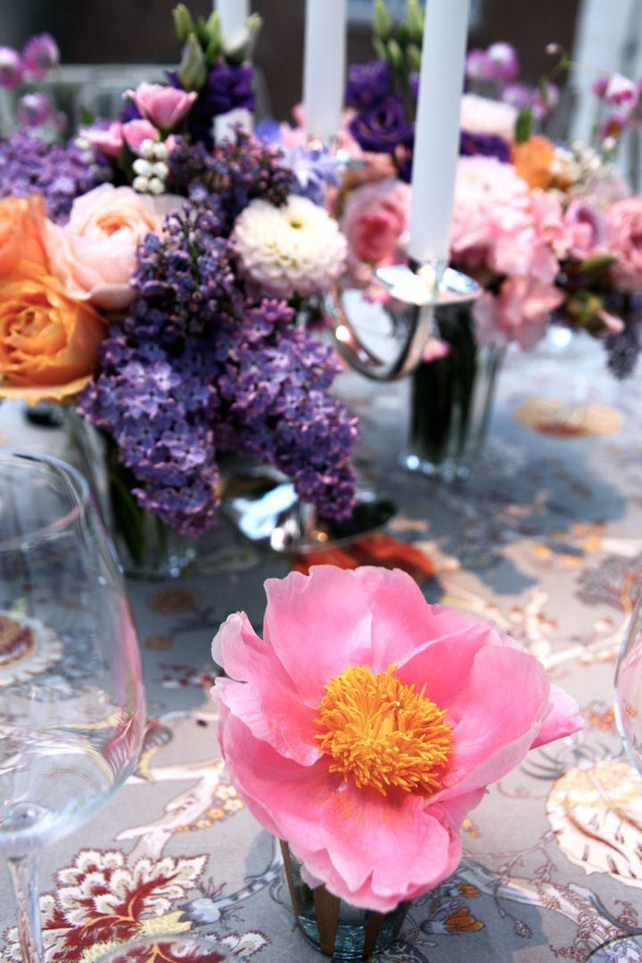 Dukning med blommor