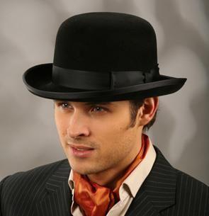 Француз и шляпа мужская
