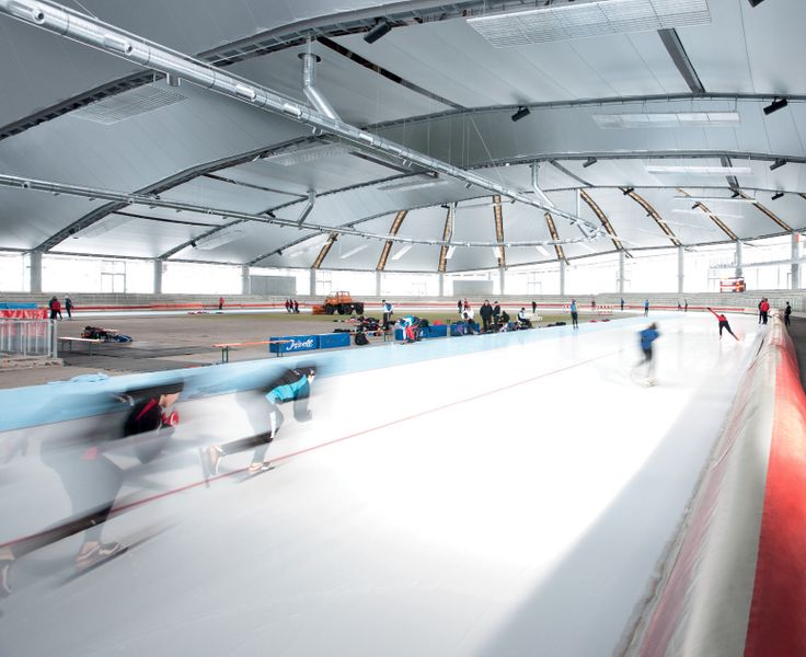 Ice skating rink – Inzell – Germany Venue for the 2011 World Speed Skating Championships, this building offers optimum thermal, visual and acoustic comfort through its 20 000 sqm Soltis LowE composite textile ceiling. The low emissivity surface treatment curtails the normally essential use of air conditioning.