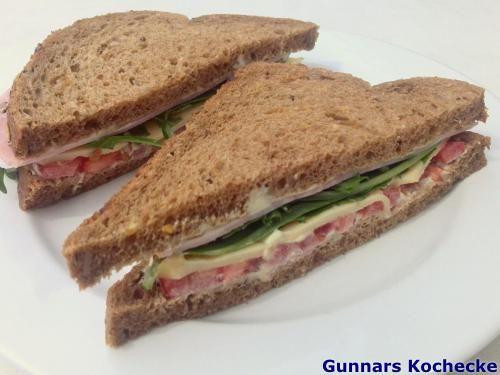 Schinken-Tomaten-Sandwich - #Rezept