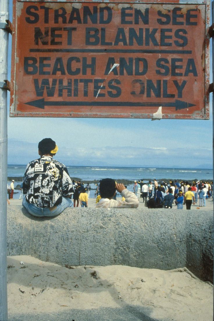 essays on south african apartheid Written specifically for south africa: overcoming apartheid, building democracy, these essays focus on important topics introduced in the narrative unitseach essay incorporates multimedia materials or is linked to additional primary materials.