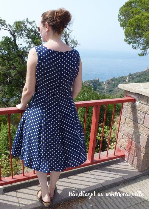 The perfect summer polkadot dress! Pattern from Stoff & Stil.