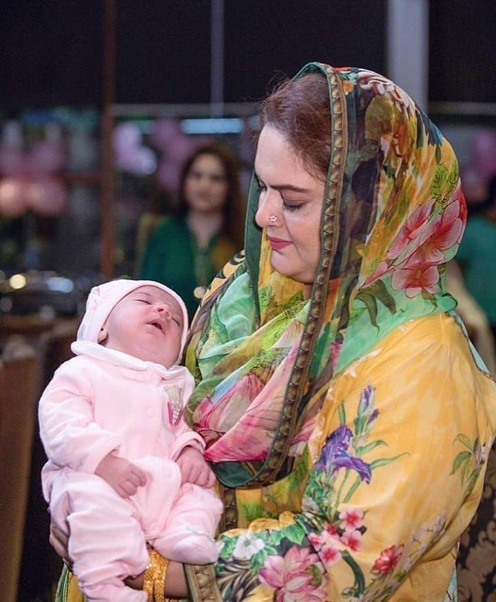 Aiman Baby Pics : aiman, MaShaAllah, Adorable, Picture, Aiman's, Daughter, ❤💖✨, #AimanKhan, #MuneebButt, #Aineeb, Beautiful, Pakistani, Dresses,, Aiman, Khan,, Dresses