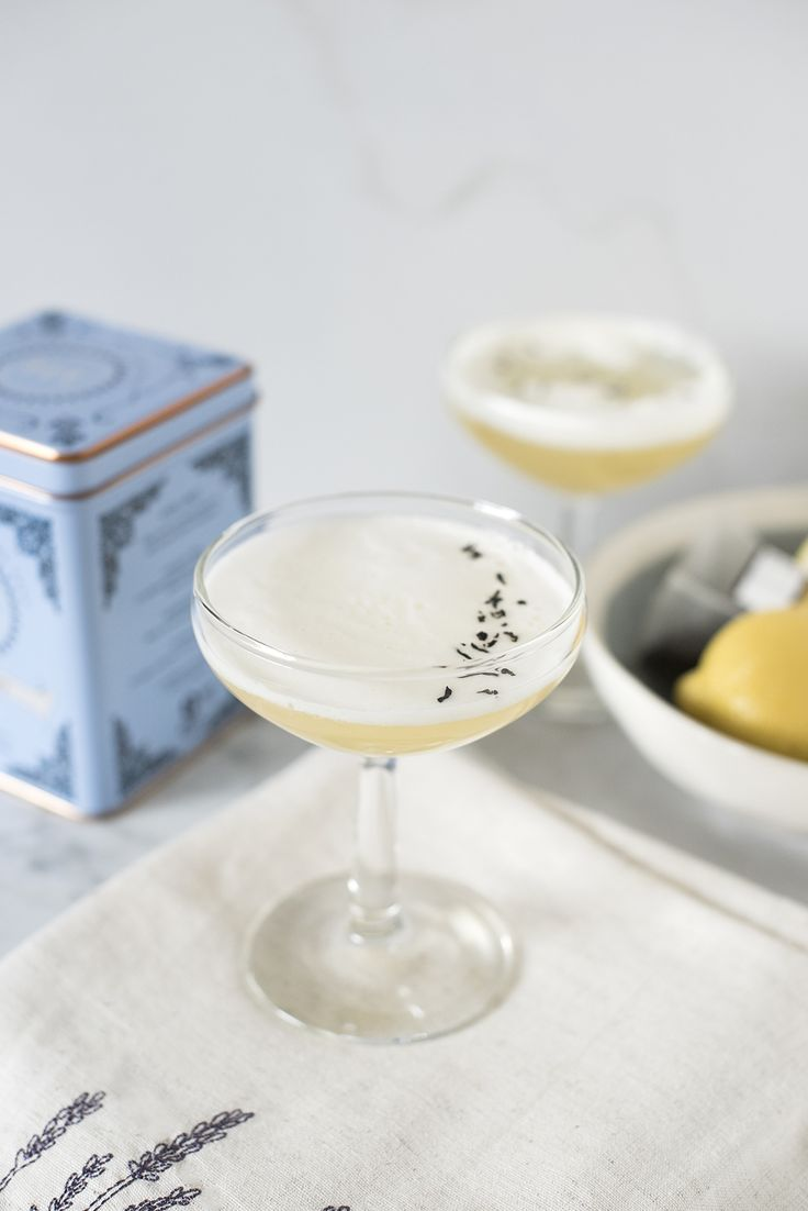 The Earl Grey Fizz: earl grey tea + gin + champagne + simple syrup