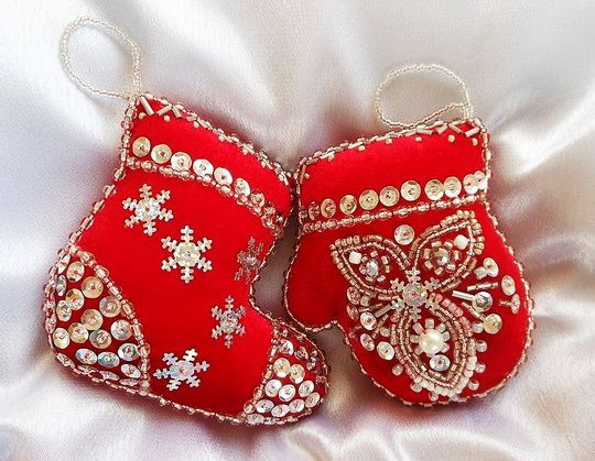 Beautiful embroidered Christmas Ornaments | Beads Magic