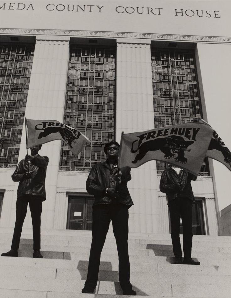 En 1968,Ruth-Marion Baruch(1922-1997) etPirkle Jones(1914-2009) rencontrentKathleen Cleaver, en charge de la communication du Black Panthers Party, une structure politique et militaire engagée pour les droits des afro-américains. Le couple de photographes décide de...