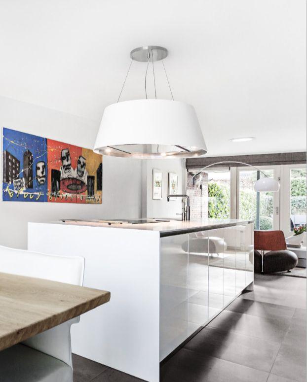 Eilandafzuigkap wit van corian. Wave Kitchen Design #keuken #design #afzuigkap