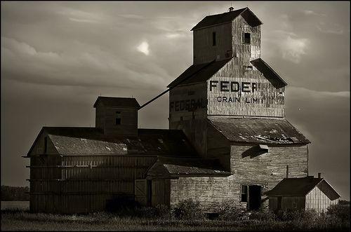 Grain Elevator, Off TransCanada Highway, Manitoba - by rabesphoto on Flickr, CC Sharealike Attribution LIcense 2.0