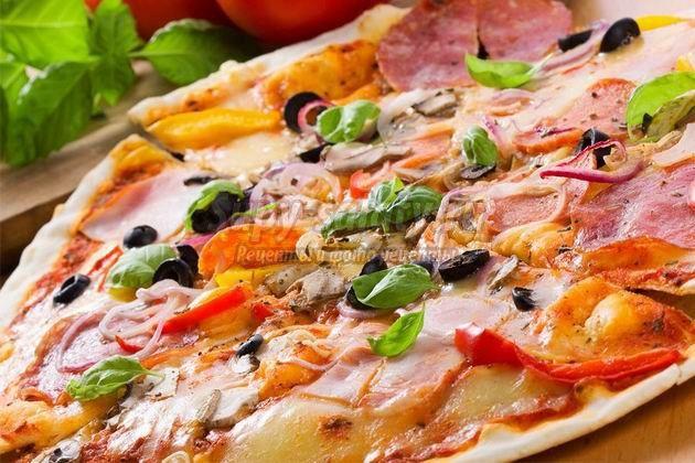 Самая вкусная пицца: рецепт с грибами и колбасой