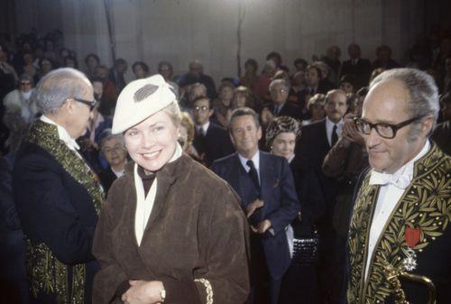 """graceandfamily:  """"Alain Decaux, écrivain, biographe, homme de télévision et de radio et académicien français, en compagnie de Grace de Monaco à Paris en février 1980, France.  """""""