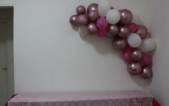Decoração festa simples rose gold, dourado e rosa em 2020 (com imagens)   Decoração de festa ...
