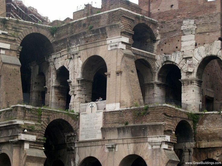 social structure in the colosseum The roman colosseum is undoubtedly one of the world's most  for easy access  for its spectators that included all classes of roman society.
