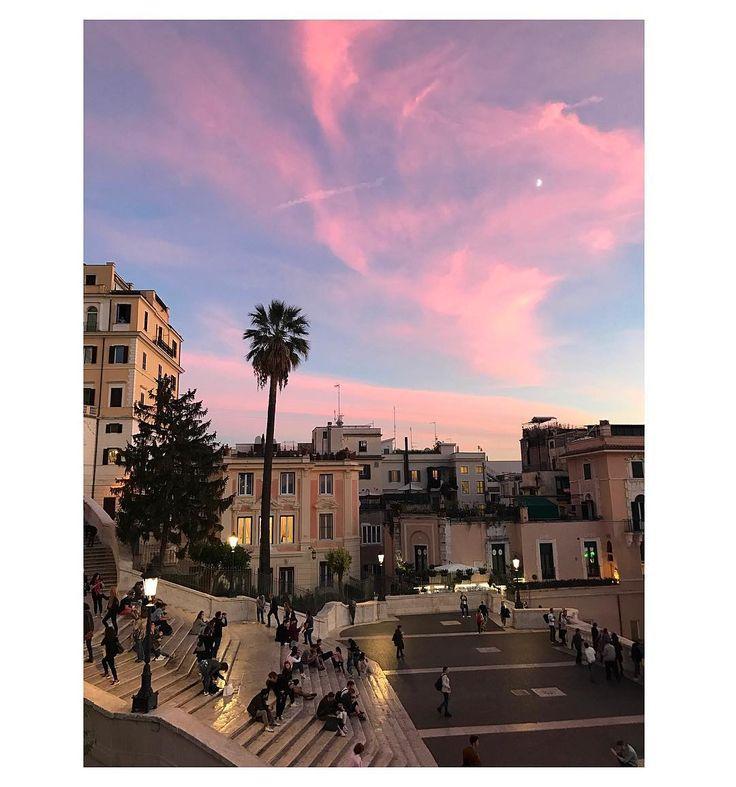 """178 gilla-markeringar, 2 kommentarer - Pauline Suzor (@suzor) på Instagram: """"Last weekends pink sky over Rome"""""""