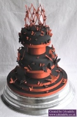 Red and Black wedding cake: Black Weddings, Cakes Art, Black Cakes, Orange Cakes, Wedding Cakes Red, Black Wedding Cakes, Butterflies Orange, Halloween Cakes, Red Black