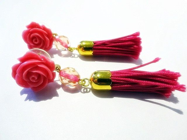 We have these earrings in a DIY-packet. This packet contains everything you need to make this keychain yourself. Price: € 4,95