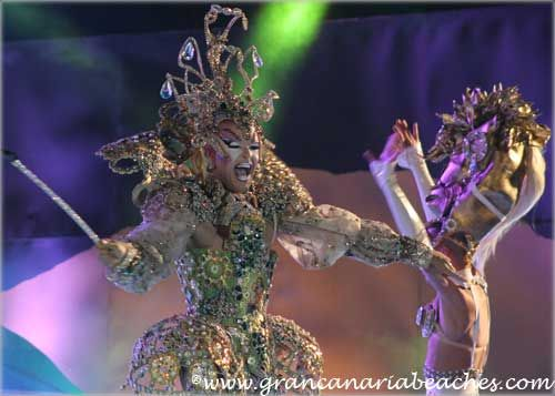 Drag Acrux was the eleventh candidate in the 2013 Maspalomas Planet Drag Queen Contest held in Gran Canaria.