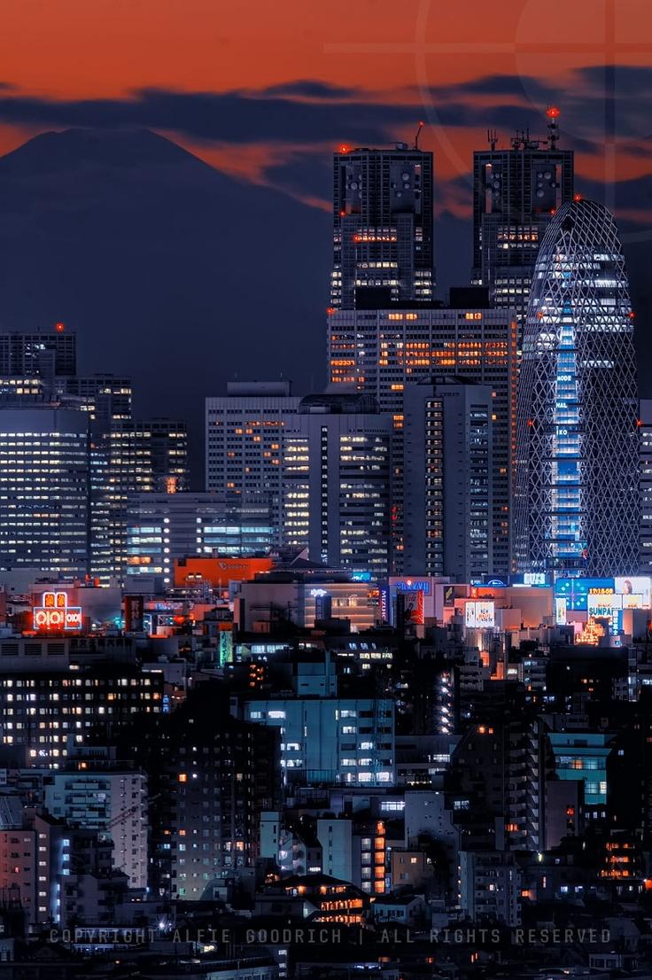夕暮れの東京と富士山 twilight in tokyo ( mount fuji in view)