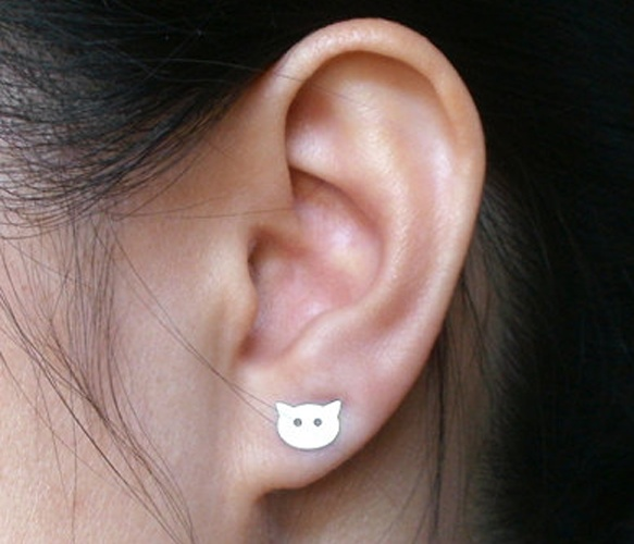 This CCL (crazy cat lady) needs these kitty cat earrings!