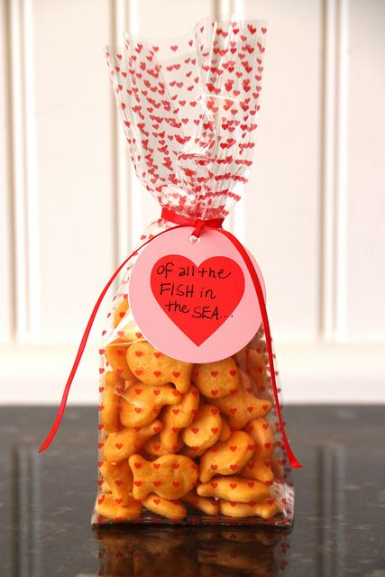 Of all the fish in the sea, I'm glad you're in my school. Sweet (and candy-free) valentines for friends.
