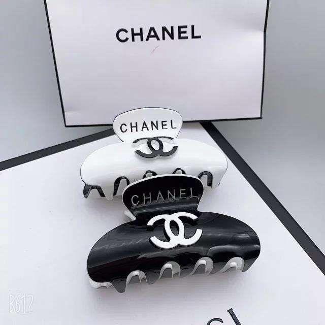 Chanel シャネル フェード防止バンスクリップ お風呂に入る時に適用ですが お洒落です 高品質アクリル製品 ちゃんと髪をまとめられます シャネル バンスクリップ バンス