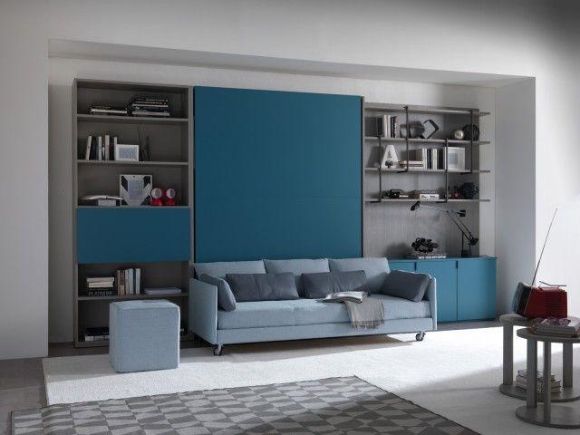 Vania di Essedue è un divano letto rivestito in tessuto in una raffinata tonalità azzurro carta zucchero. La linea essenziale e la presenza delle ruote lo rendono un arredo facile da ambientare. Misura L 205 x P 90 x H 59 m. Prezzo 1.425 euro. www.essedue.it