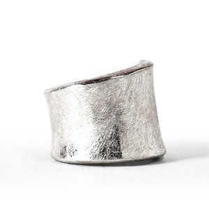 Crescendo Plano Ring now featured on Fab.