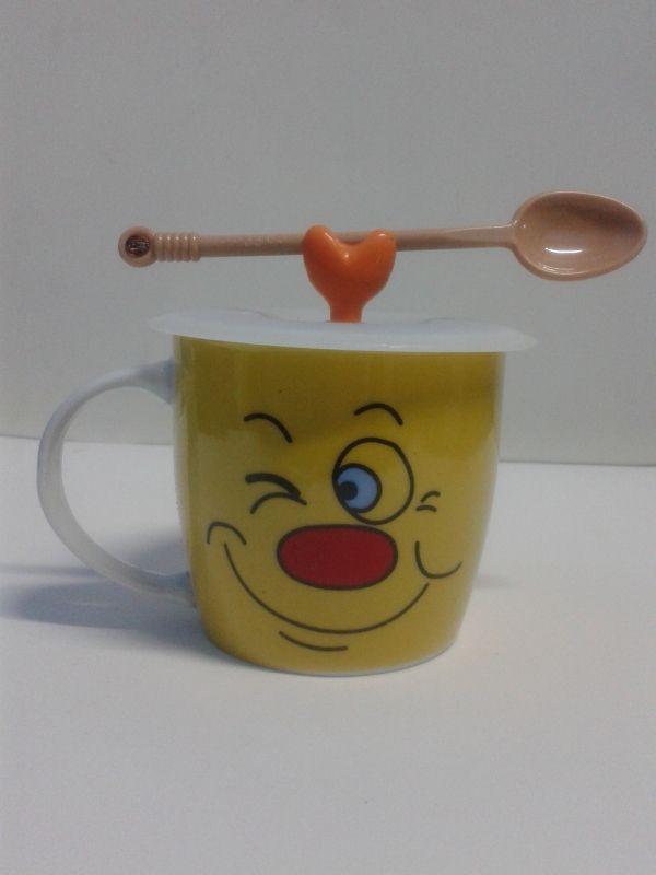 Mugs en cerámica decorativos de caras 1 con tapa de goma, incluye cuchara. #MugsDecorativos #Detalles