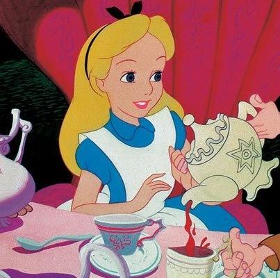 Alicia tomando té | Te, café, eco amigable y muchos más ...