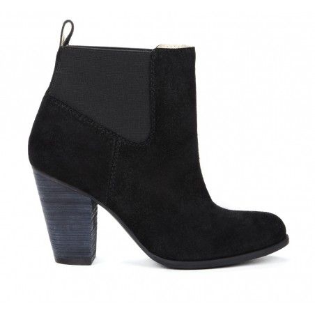 A girl can never have enough booties. Giuliana Chelsea Bootie in Black from Sole Society.