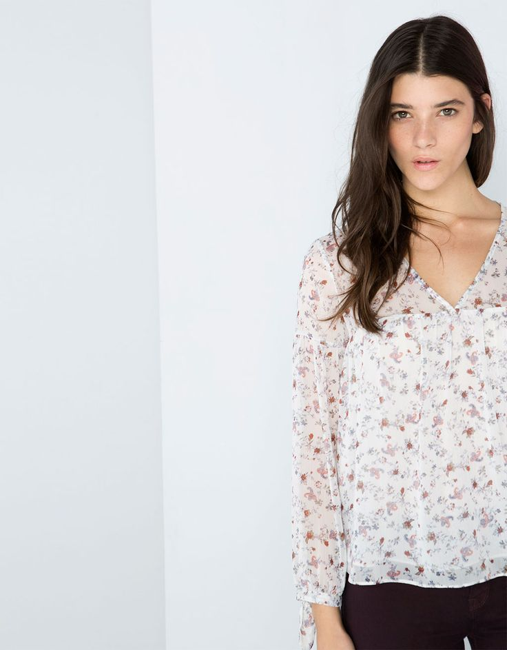 Blusa Bershka estampada - Camisas & Blusas - Bershka Costa Rica
