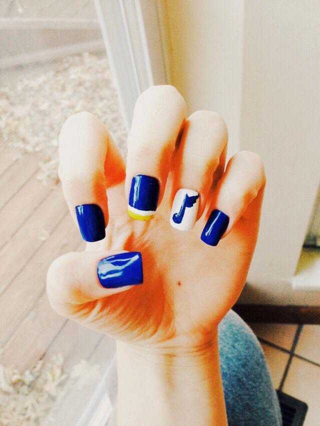 STL Blues Hockey Nails