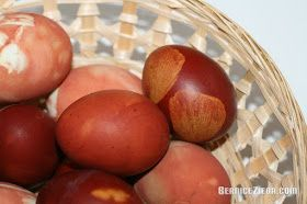 Easter eggs coloured with onion skin