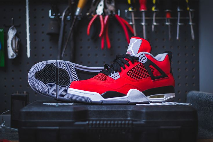 "Air Jordan 4 Retro - Fire Red/Cement Grey ""Toro Bravo"""