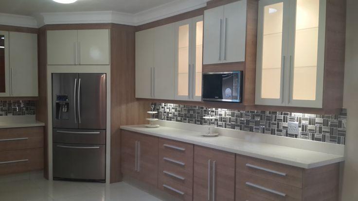 2 tone melamine kitchen 2 tone melamine kitchen for Black cherry kitchen designs