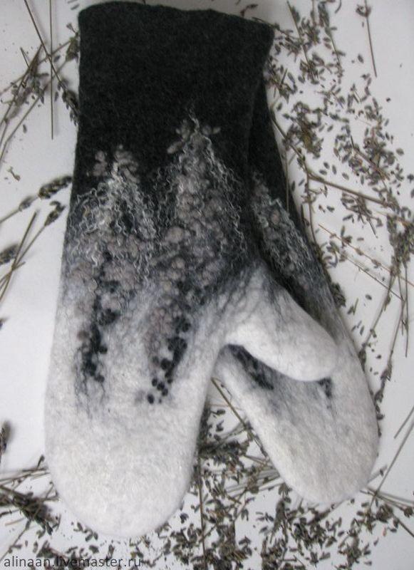 """Купить Варежки валяные """"Дельфиниум в монохромных тонах"""" - чёрно-белый, абстрактный, варежки"""