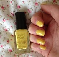 NOTD | Barry M nail paint in 'Lemon' http://handpickedbeauty.blogspot.co.uk