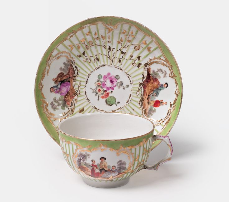 Porcelain with scenes after Watteau - 1765