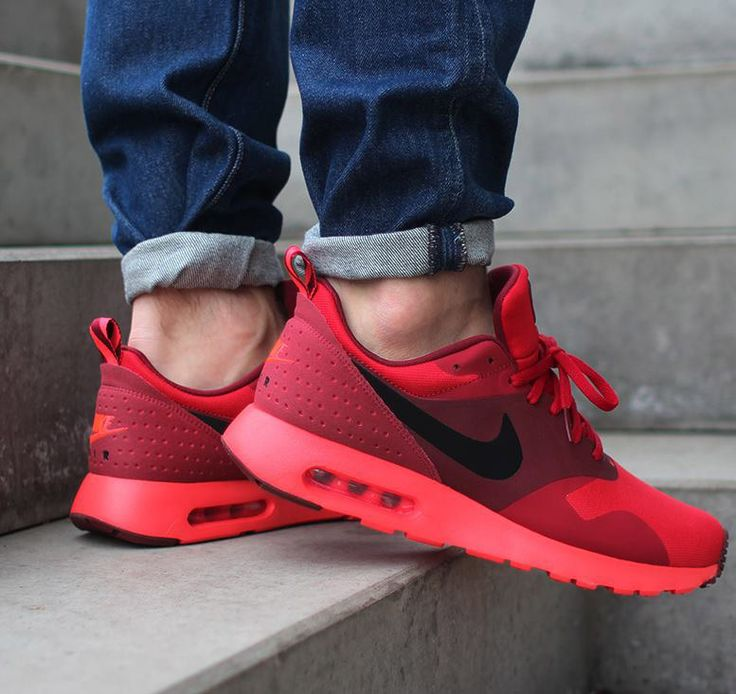 NIKE Air Max Tavas Trainers in Red