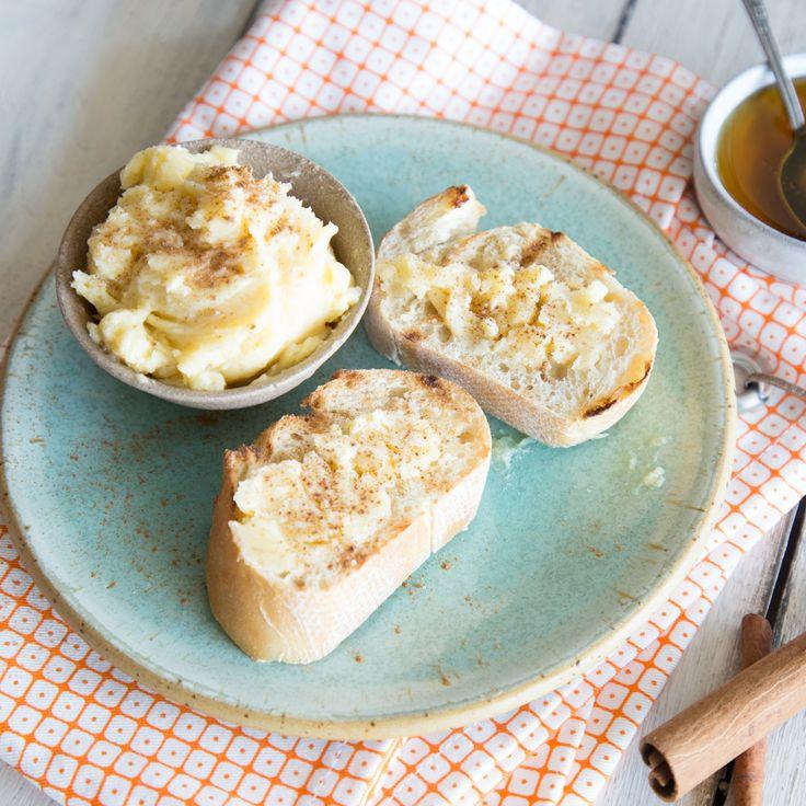 Auf Toast, Brioche oder fluffigen Pancakes – bei dieser unwiderstehlichen Zimt-Honig-Butter kommen Naschkatzen voll auf ihre Kosten.