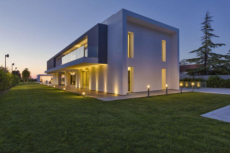 Oltre 25 fantastiche idee su architettura moderna su - Architettura casa moderna ...