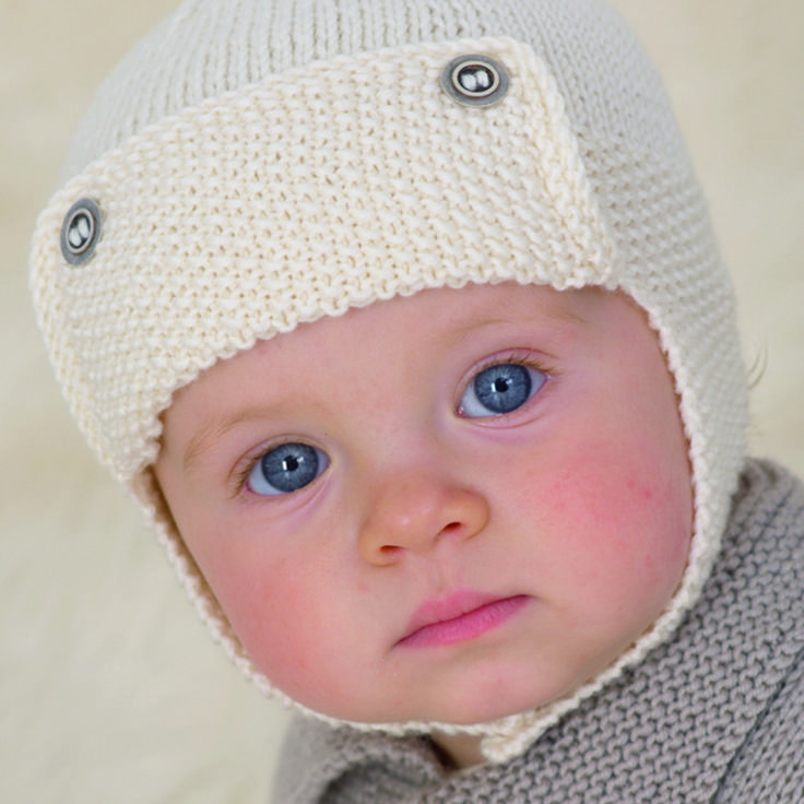 The famous Retro Flying Helmet from the first ever little Sublime hand knit book 600.