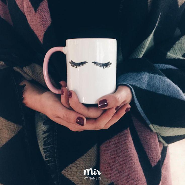 Tasse mit Wimpern für Sie. Auf Etsy zu finden.