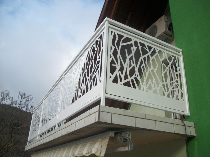 Balustrade                                                                                                                                                                                 Plus